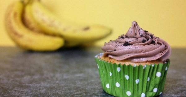 Banana Cupcakes With Chocolate Icing