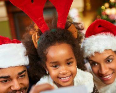 Fun-Family-Christmas-Tradition-Ideas-34954cdad5e3b3e1666318056926de858b1d6a09
